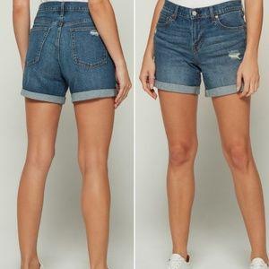 GAP 5in Distressed Denim Shorts - SZ 28